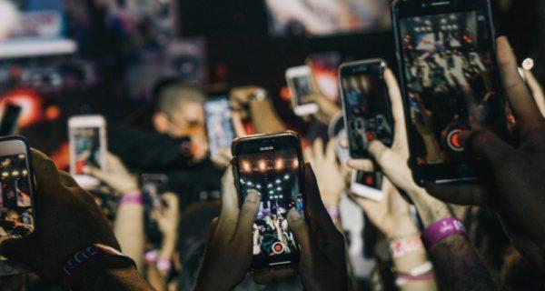 Videos auf dem Smartphone werde heute im Hochformat produziert und konsumiert.